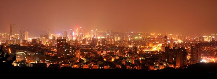浮山露营看青岛城市夜景